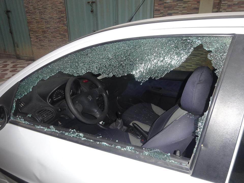 السيبة هادي ..  مجهولون يكسرون زجاج عدد من السيارات بحي الأندلس