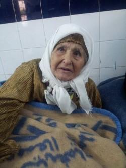 سيدة في عقدها الثامن تائهة بالمستشفى المدني