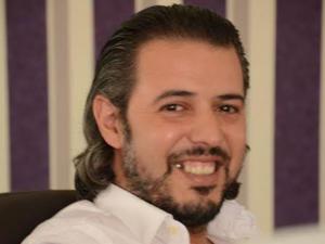 """"""" أصوات """" ترشح الصحافي محمد أحمد عدة للقب شخصية السنة"""