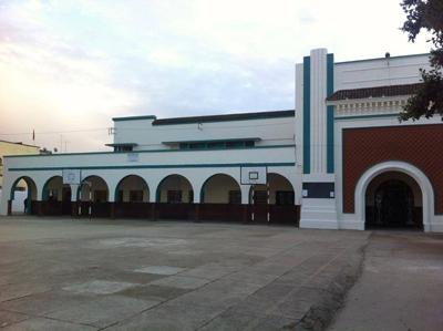 الثانوية المحمدية بالقصر الكبير في حُلَّـــةِِ جديدة