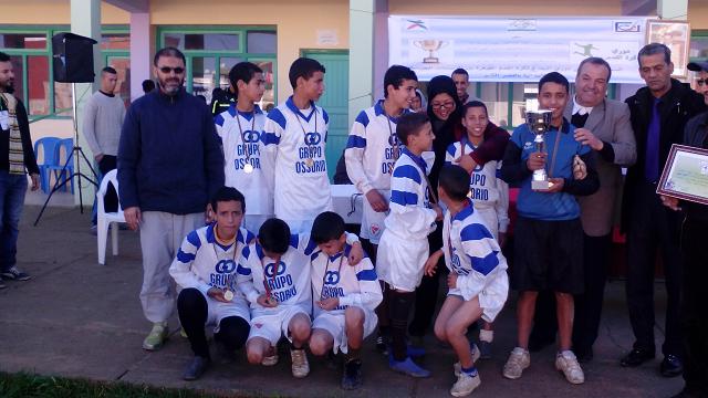 فريق مدرسة بن زهر الفائز بالنسخة الثانية من دوري النجاح