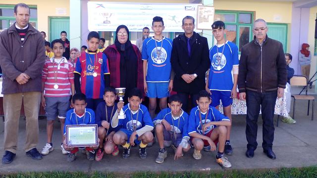 فريق مدرسة علال بن ع الله الفائز بوصافة النسخة الثانية من دوري النجاح
