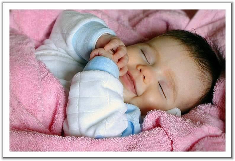 كيف تُعَــــود طفلك على النــوم لوحده؟