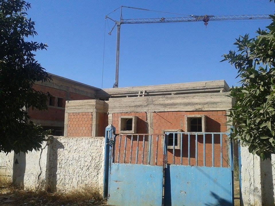 القصر الكبير: تلاميذ مدرسة الزرقطوني خارج أسوار مدرستهم من جديد