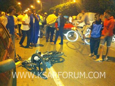 اطصدام دراجة نارية بسيارة أجرة يخلف إصابات و خسائر