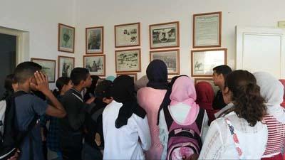 تلاميذ الطبري الاعدادية في زيارة للفضاء المتحفي بالقصر الكبير بمناسبة المسيرة الخضراء