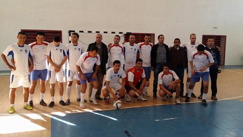 القصر الكبير: فريق الشرطة يفوز بالدوري الأول في كرة القدم المصغرة