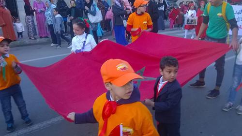 القصر الكبير: استعراض تربوي بمناسبة المسيرة الخضراء وعيد الاستقلال المجيد