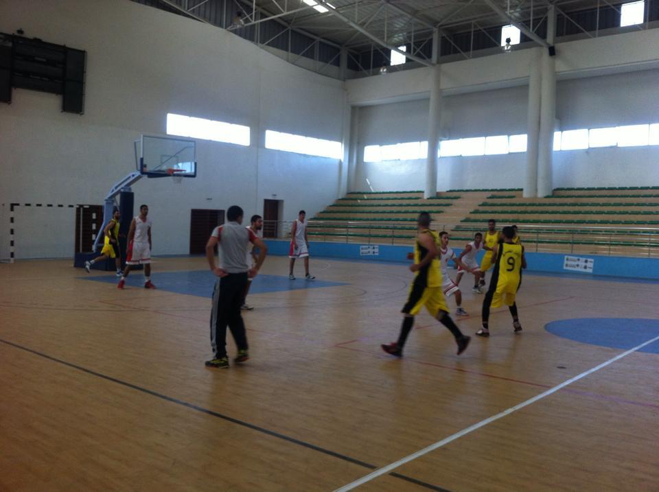 كرة السلة : الأمل القصري يتأهل للدور المقبل على حساب المغرب التطواني