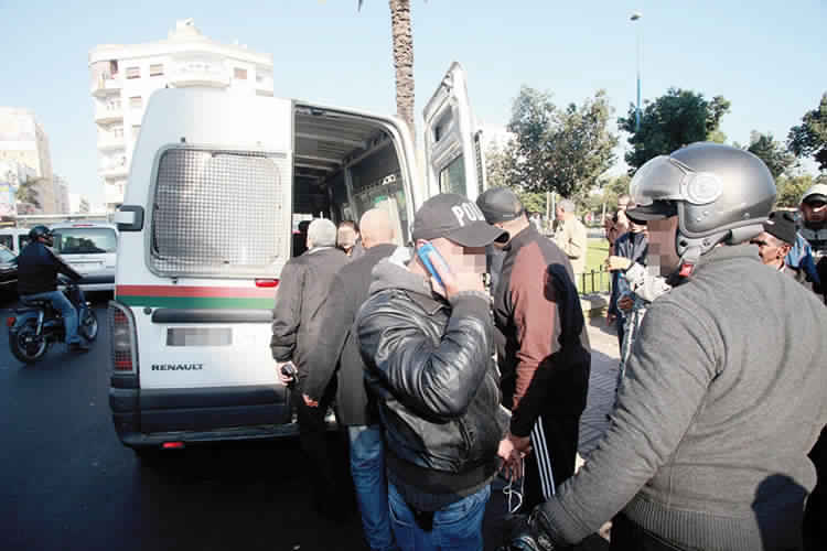 الشرطة توقف طبيبا مشهورا بالمدينة بسبب الخيانة الزوجية و الفساد