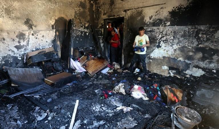 السوق الصغير : فتاة تضرم النار في بيت أسرتها و تفر لوجهة مجهولة