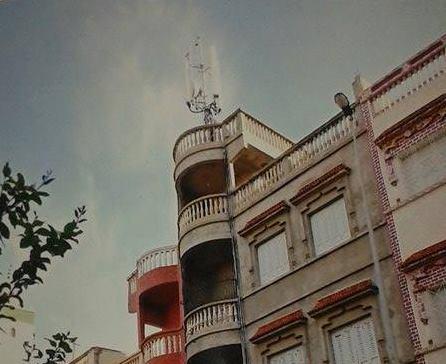 سكان تجزئة الرضى يشتكون من إقامة برج للاتصالات وسط الحي