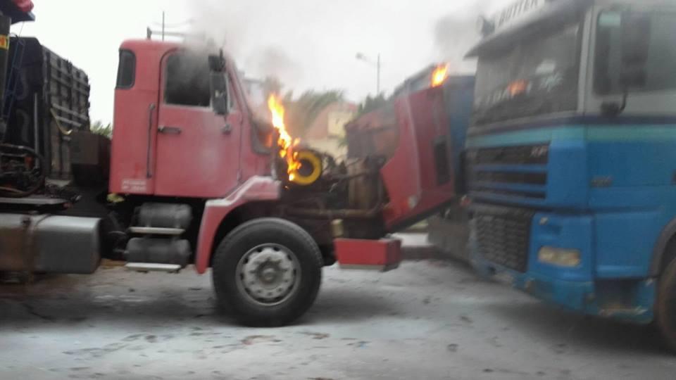 طريق الرباط : مواطنون يتدخلون لإخماد حريق بشاحنة