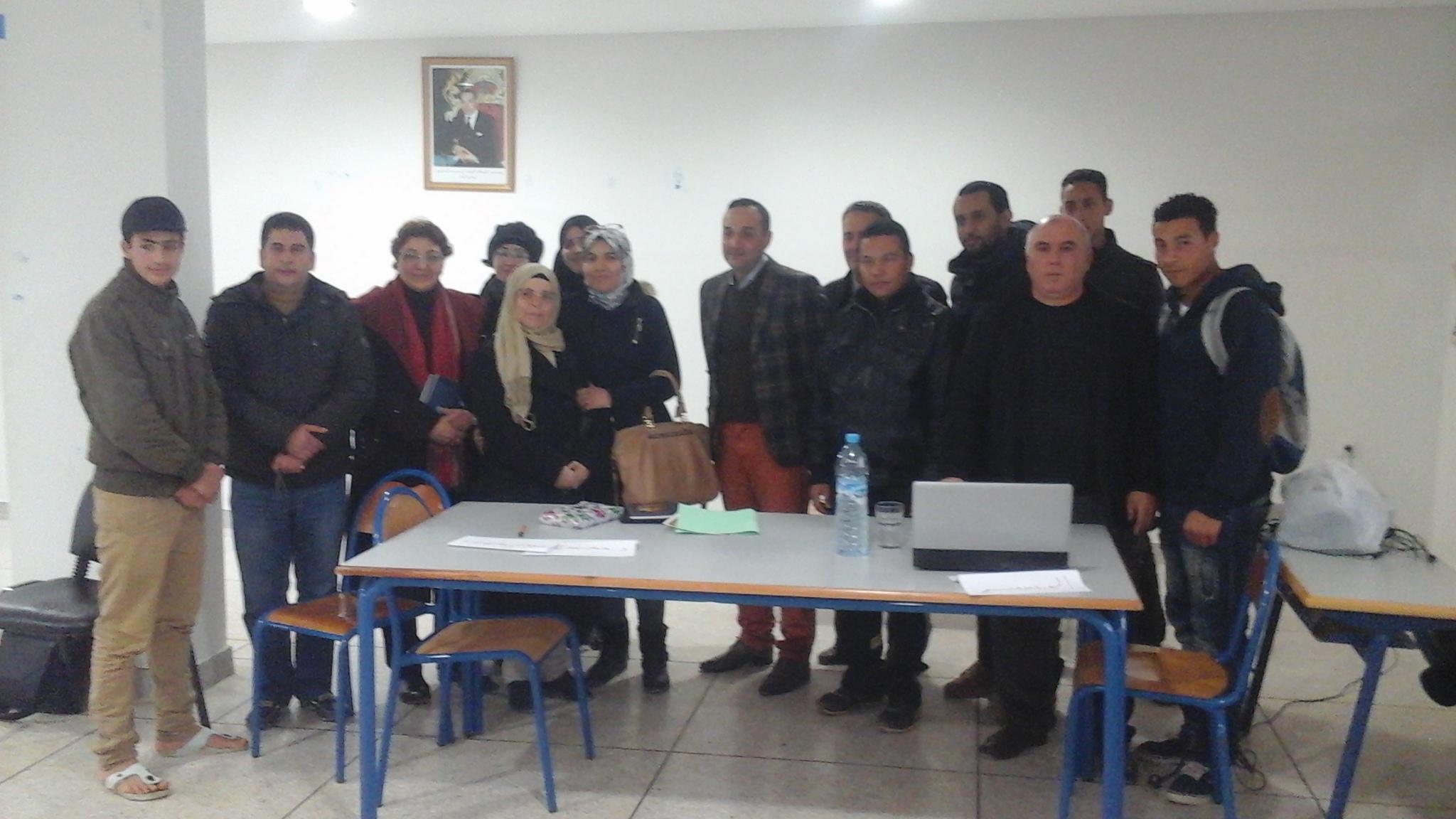 القاص محمد الجباري في ضيافة نادي التربية على القيم والسلوك المدني بثانوية أولاد أوشيح