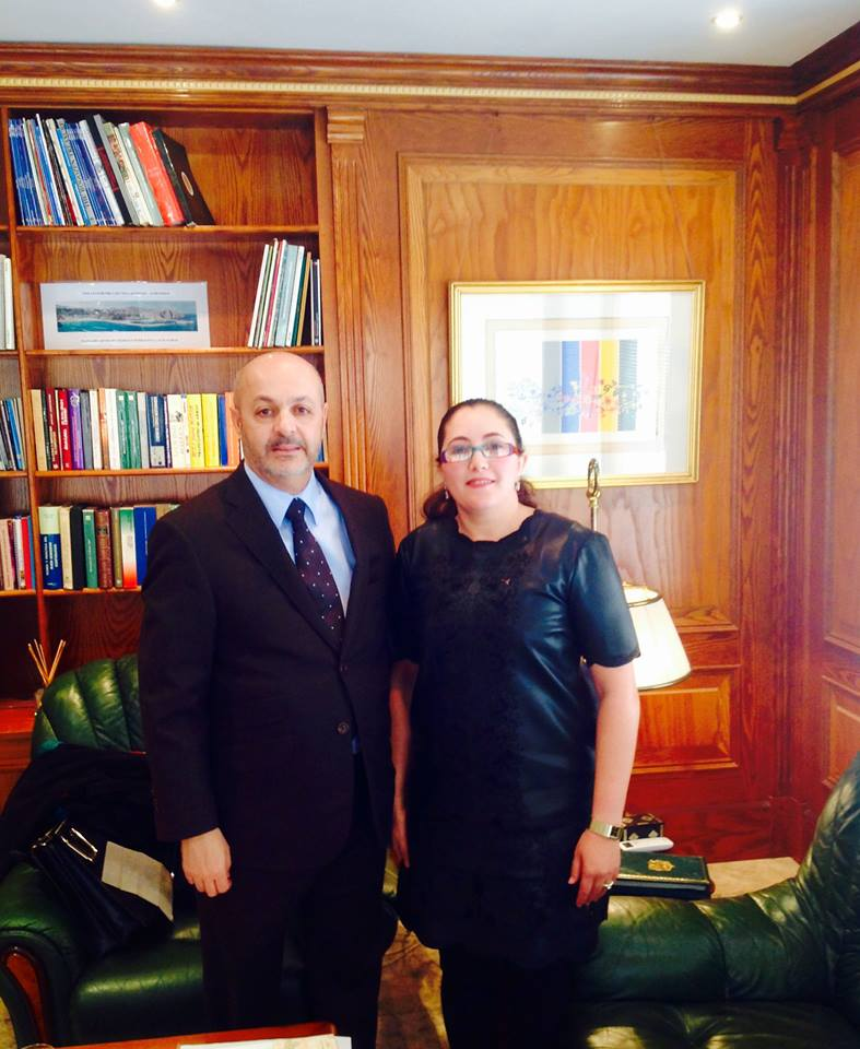 لقاء تواصلي للشاعرة الشاوي بشرائيل مع السيد فاضل بنيعيش سفير المملكة بمدريد