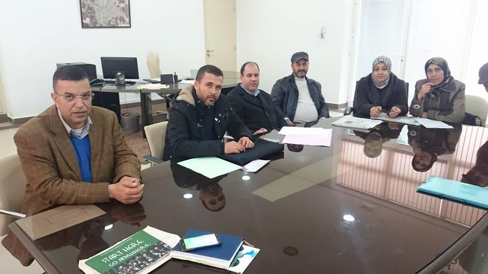 اعضاء جمعيةأمهات و آباء مدرسة عبد الله الشفشاوني في لقاء مع رئيس المجلس البلدي