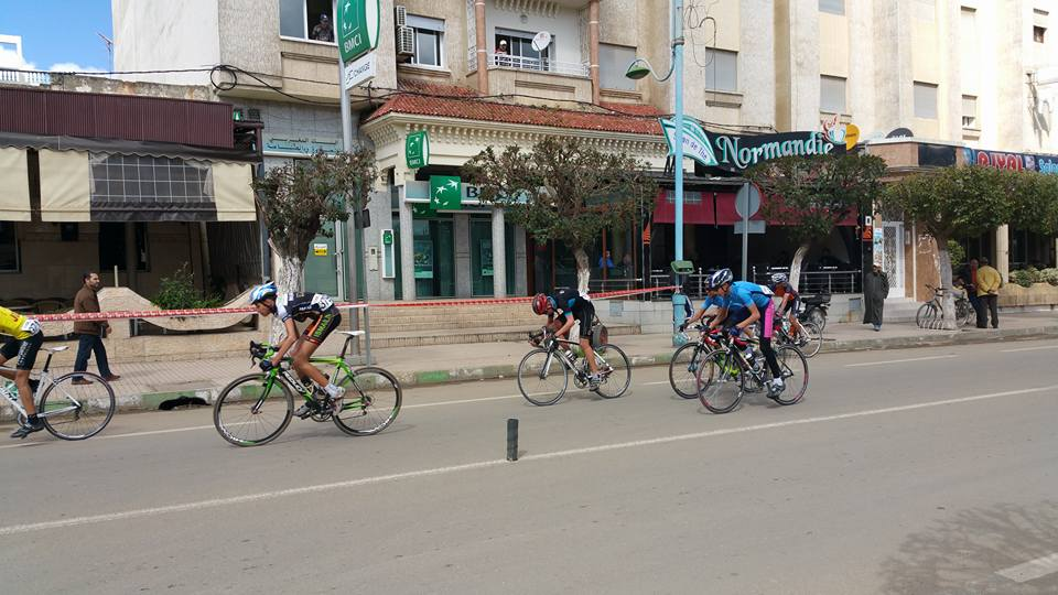الشباب القصري ينظم سباقا للدراجات الهوائية