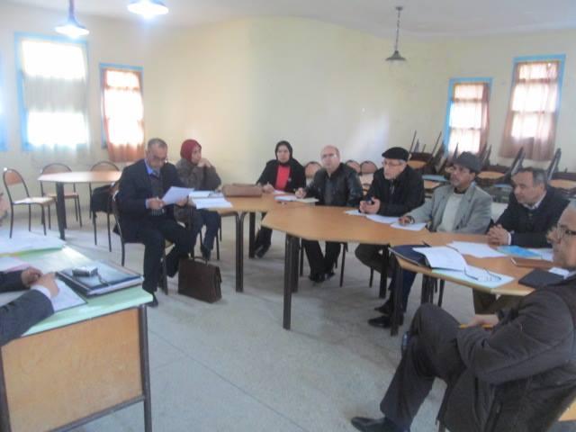 القصر الكبير : جماعة الممارسة المهنية في لقاء تكويني حول مشاريع المؤسسات التعليمية والحوادث المدرسية