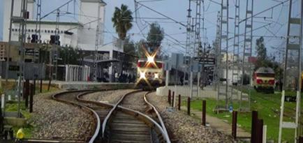 سائق قطار يساهم في إنقاذ حياة سيدة حاولت الانتحار رفقة ابنتها