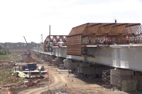 """المغرب يشيّد أطول جسر لـ""""LGV"""" في العالم بحوض اللُّوكُوس"""