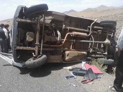 خمسة جرحى في حادث سير بين سيارتين بالزوادة