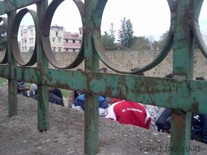 القصر الكبير: مواطنون يلقون القبض على لص و فرار شريكه