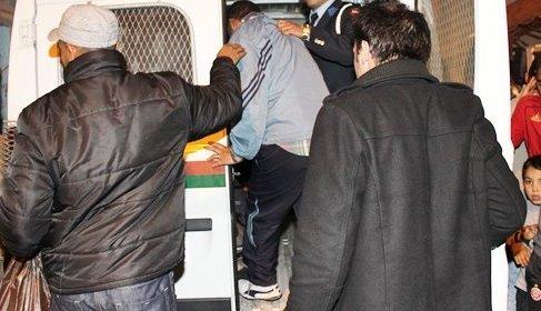 المرينة: مواطنون يلقون القبض على لصوص حاولوا سرقة شيخ