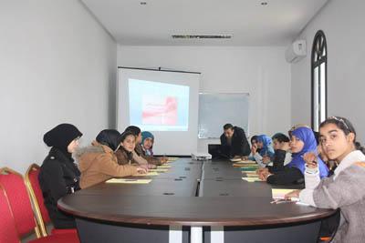 دار الثقافة تحتضن اليوم الثاني من الدورة التكوينية لفائدة تلميذات الطبري الإعدادية