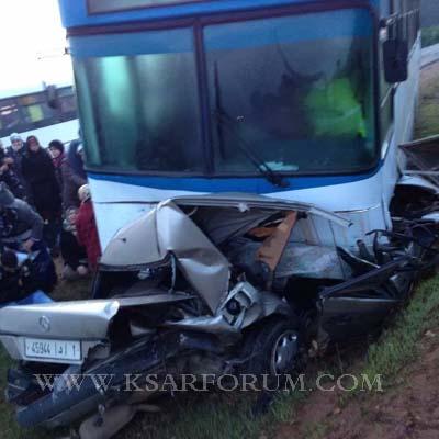 العوامرة : قتيلين في حادث اصطدام حافلة بسيارة