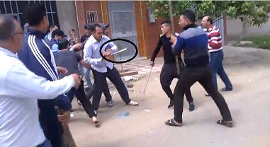 """القصر الكبير: محاصرة لصين حاولا السطو على منزل في واضحة النهار """" فيديو """""""