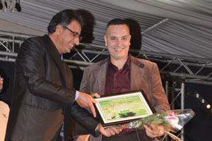 تتويج الشاعر والباحث عبد السلام دخان بجائزة التميز بمدينة أيت ملول