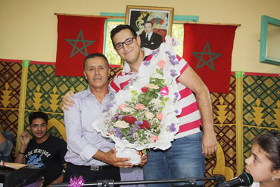 مدرسة الشهيد محمد الزرقطوني تحتفي بالأستاذ عبد السلام البوعزيزي في حفل بهيج
