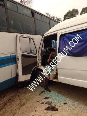 الزوادة : حادثة سير بين حافلة و سيارة من الحجم الكبير يخلف إصابة السائق