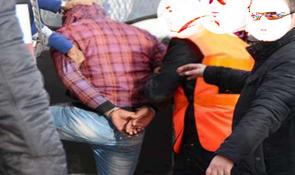 مصالح الأمن توقف عنصرا من عصابة بجامع سعيدة