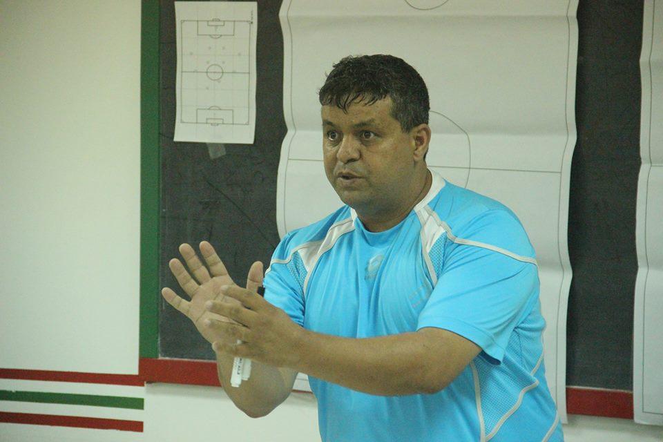 عاجل : النادي القصري يتعاقد مع إدريس عبيس لتدريب الفريق