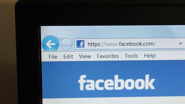 """فيس بوك تحدث ميزة """"آخر الأخبار"""" لتحسين الخدمة في الدول النامية"""