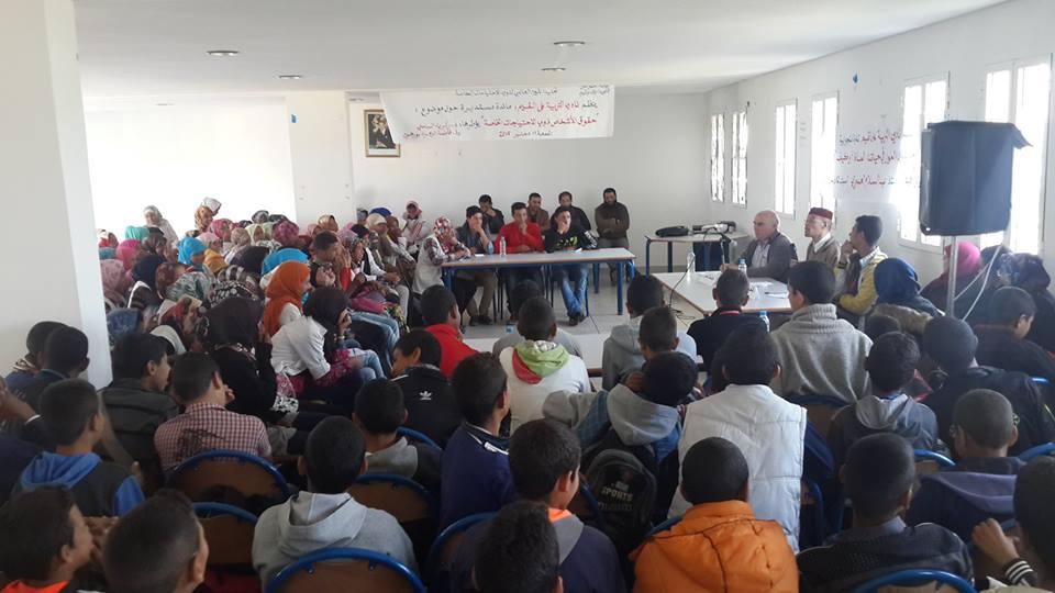 الأستاذ عبد السلام العسري  في استضافة  نادي التربية على القيم بثانوية أولاد أوشيح