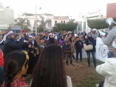 معطلو التنسيقية يحتجون في ساحة سيدي بو أحمد بعد تعنيفهم
