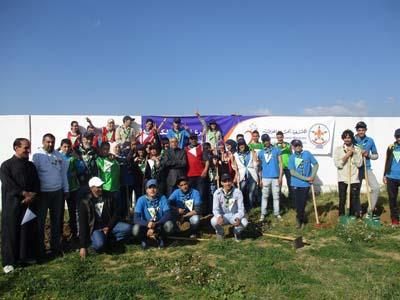 نادي التربية البيئية والتنمية المستدامة ينظم حملة تشجير واسعة بالثانوية الإعدادية طارق بن زياد