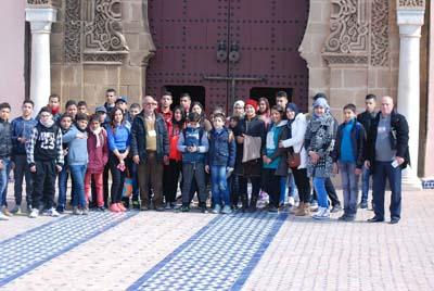جمعية أمهات و آباء تلاميذ إعدادية علال بن عبد الله تنظم رحلة ترفيهية إلى إفران