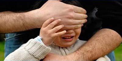 أباء و أمهات يلقون القبض على متحرش بالتلاميذ قرب مدرسة مولاي علي بوغالب الابتدائية
